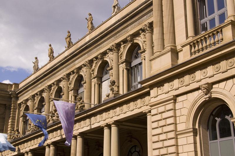 MÄRKTE-Dax vor US-Konjunkturdaten niedriger erwartet Von Reuters