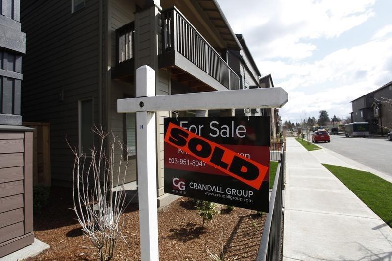 U.S. Existing Home Sales Decline After Previous Surge - NAR