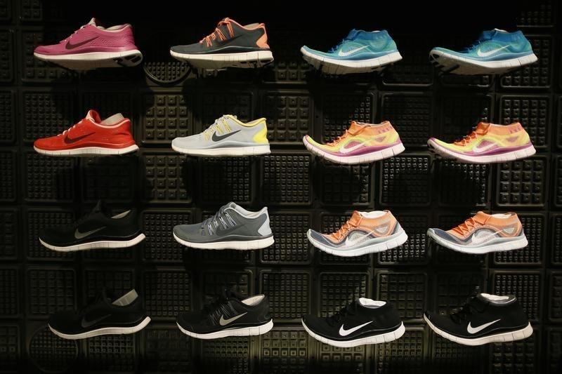 © Reuters. Nike Stock Falls 4%