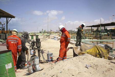 النفط يستسلم لجني الأرباح بعد تقرير الوظائف الأمريكي المتواضع