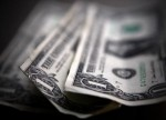 Forex - Dollar Moves Lower as Geopolitical Tensions Resurface