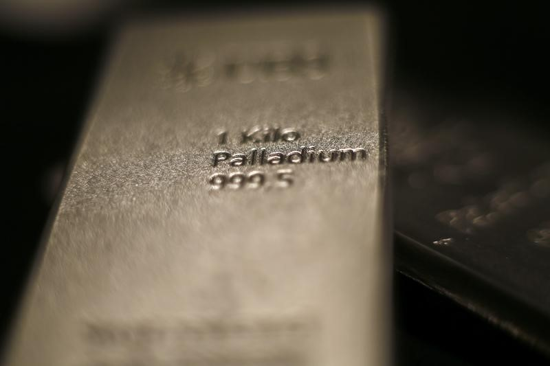 © Reuters.  Palladium Bulls Rule as Prices Hit Record on Tight Supply