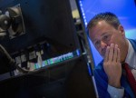 Stocks - Dow Falls 400 Points on Tech Worries, Retail Gloom