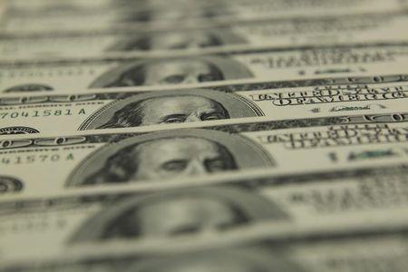 Dólar recua com força ante real acompanhando exterior otimista com vacina e recuperação