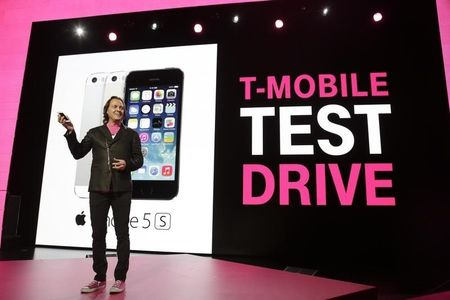 T-mobile posts better than expected Q1 earnings