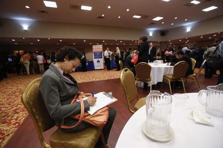 U.S. Jobless Claims Fall to 211,000 in Week Ending March 7