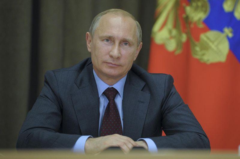 © Reuters. Путин внес в парламент Дагестана три кандидатуры на пост главы республики, среди них - вр.и.о главы Дагестана Васильев