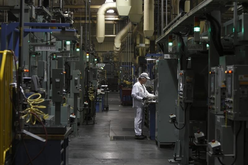 © Reuters.  Chicago PMI for August falls to 51.50 vs. 54.0 forecast