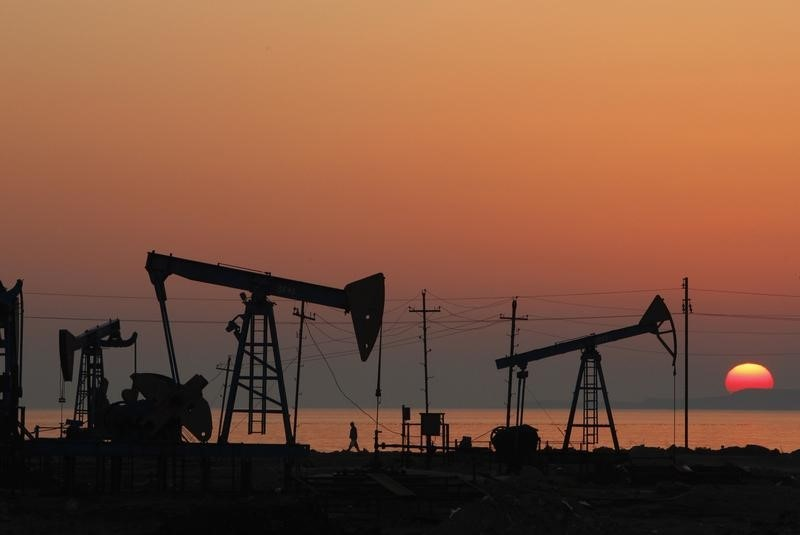 © Reuters. Crude oil prices supported by geopolitical tensions