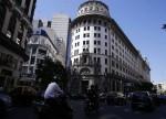 Precios minoristas de Argentina suben 1,3 pct en marzo: oficial