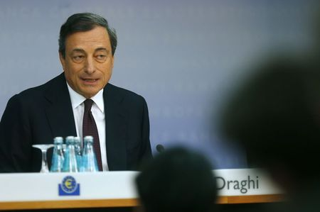 Live: Mario Draghi Press Conference as ECB Eases Policy, Holds Rates Steady