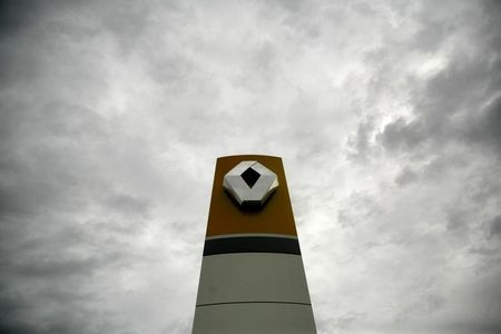 Renault Beats Revenue Estimates as Electric-Car Sales Surge