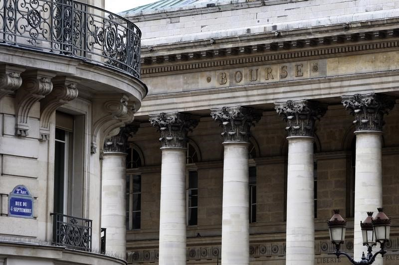 © Reuters. France stocks higher at close of trade; CAC 40 up 0.11%