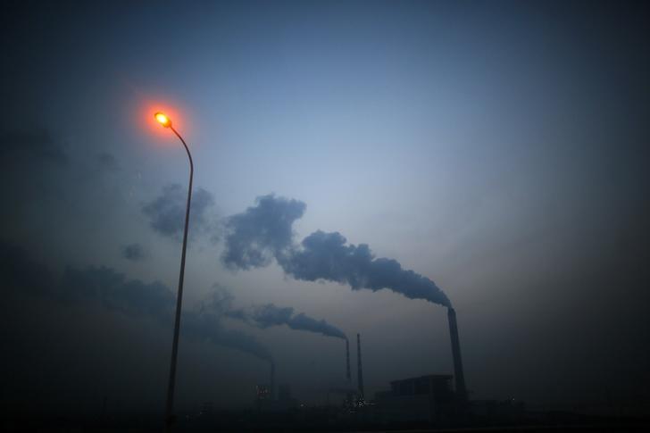 © Reuters.  U.S. Senate confirms top EPA air quality official despite concerns