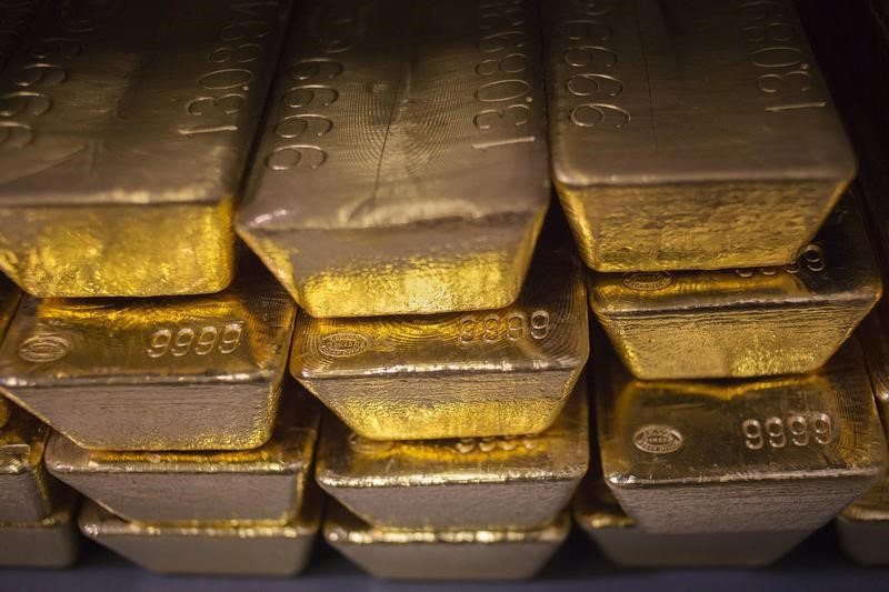 © Reuters.  Gold prices advanced on Thursday
