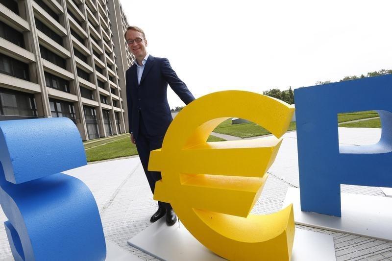 © Reuters.  Bce, Weidmann minimizza rischio di imminente rialzo tassi