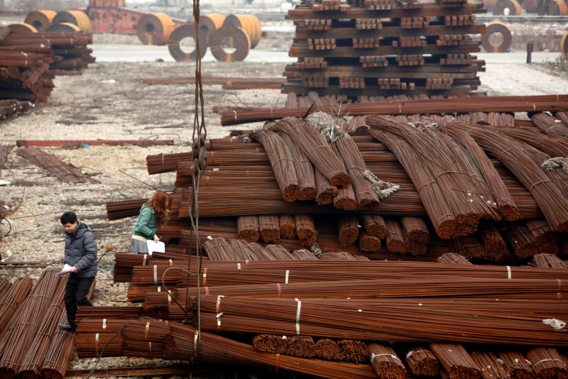 Shanghai rebar falls for fifth day after rally on output curbs