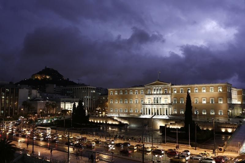 © Reuters.  Η ΕΕ βλέπει επιβράδυνση της ανάπτυξης στην ευρωζώνη τα επόμενα χρόνια, στη χειρότερη θέση η Ιταλία
