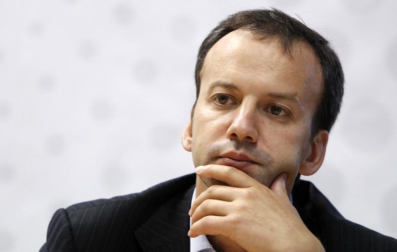 © Reuters.  Утильсбор на автомобили составит от 0% до 15% - Дворкович