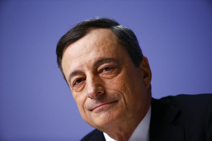© Reuters.  Draghi stresses dovish ECB posture: 'very substantial' accommodation needed