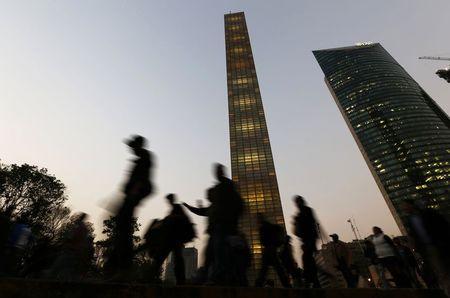 Ciudad de México endurece medidas contingencias ambientales (R)
