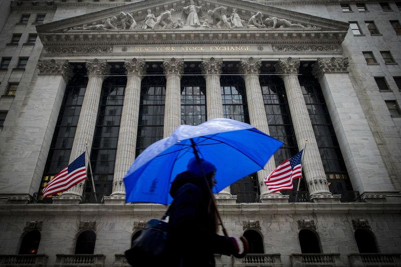 © Reuters.  Рынок акций  США закрылся разнонаправленно, Dow Jones прибавил 0,03%