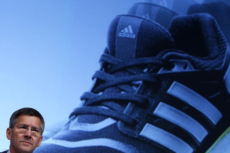 AKTIE IM FOKUS: Adidas gehen nach kurzer Pause wieder auf Rekordjagd