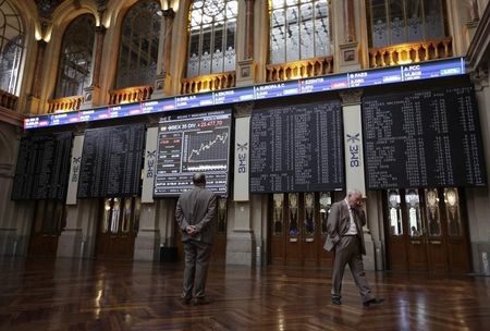 La Bolsa española sube 0,71% a mediodía y se acerca a 9.800 puntos