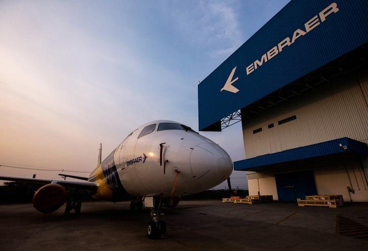© Reuters.  CVM investiga Embraer por omissão em fato relevante sobre acordo a Boeing