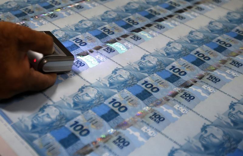 © Reuters.  Mercado secundário de debêntures movimentou R$ 2,3 bilhões na semana
