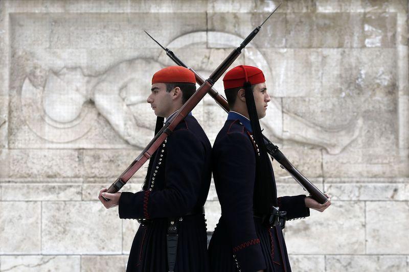 © Reuters.  Η κυβέρνηση θα επιδιώξει νέα έξοδο στις αγορές τους επόμενους μήνες - αξ/χος ΥΠΟΙΚ