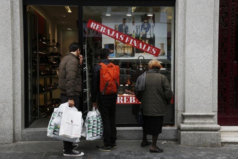© Reuters.  La inflación se dispara al 1,1 % en febrero por el alza de la electricidad