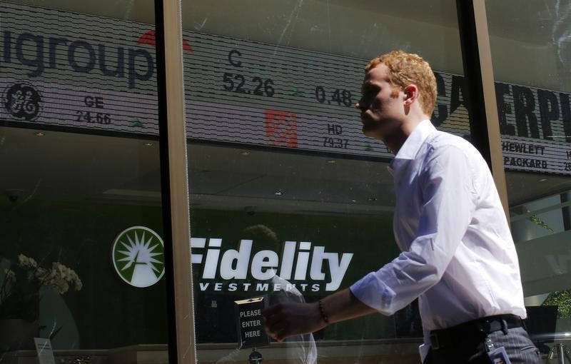 © Reuters.  Fidelity Manager Buys `Everything' Crypto in Disruptor Strategy