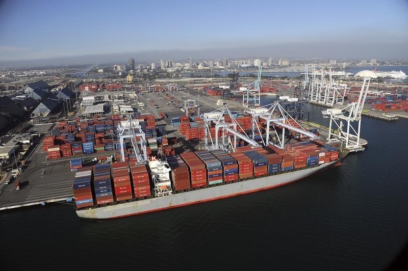Dış ticaret açığı Şubat ayında %8,7 arttı