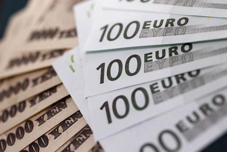 Forex - EUR/JPY alhaalla Aasian kaupankäynnin aikana
