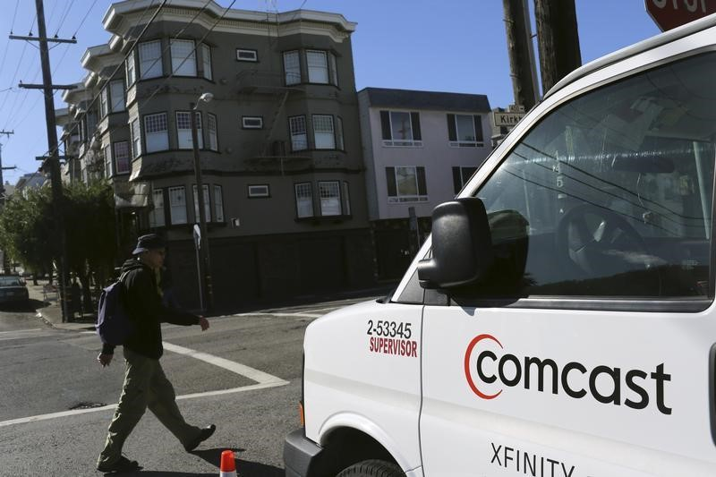© Reuters.  Comcast Rises 3%