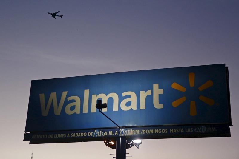 © Reuters.  Walmart Rises 3.08%