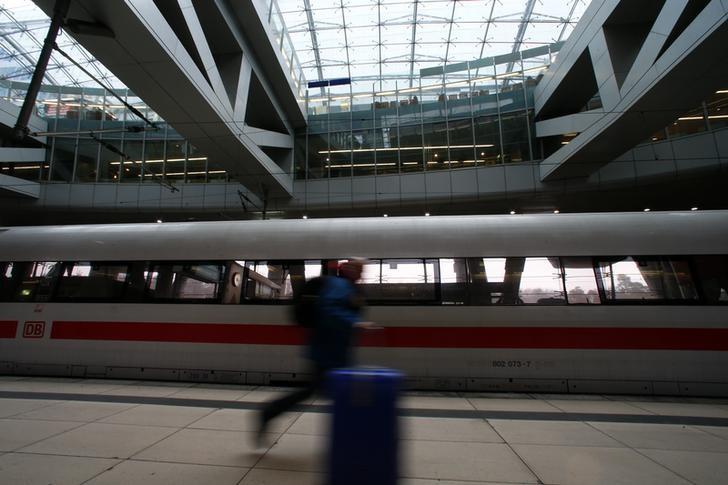 Westphal neuer Vorsitzender der Bahn-Gewerkschaft EVG Von Reuters
