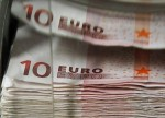 EURUSD Firms as Eurozone PMI Suggests Recovery in Growth