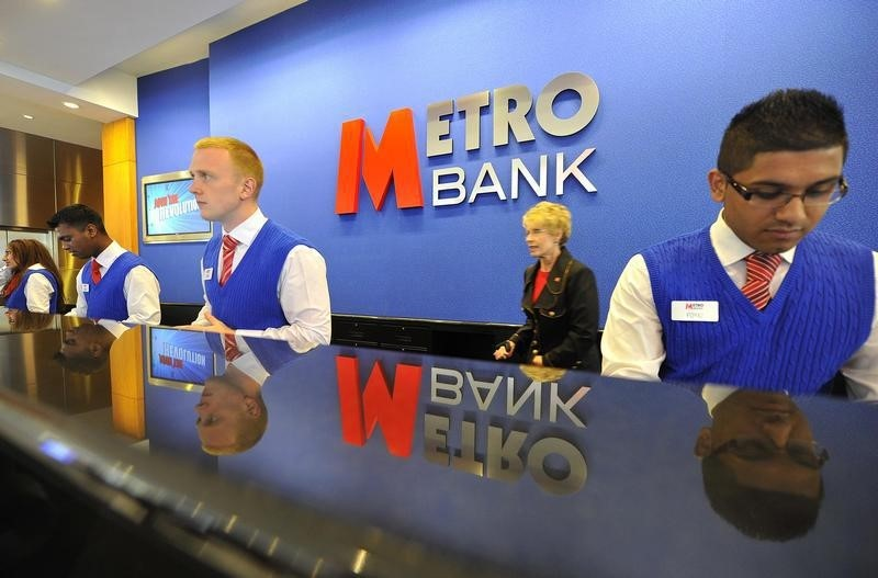© Reuters. Britain's Metro Bank hires lawyers over Cuba and Iran sanctions breaches