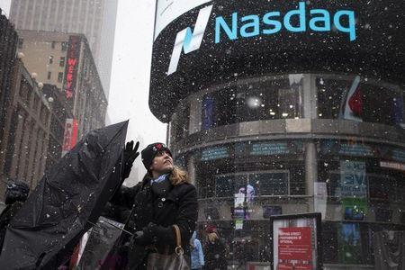 Nasdaq fecha em máxima recorde com início de temporada de compras de fim de ano