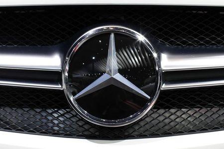 Daimler lifts profit forecast as China snaps up luxury cars