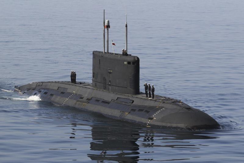 военные корабли и подводные лодки