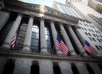 Stocks - Wall Street Inches Forward Ahead of Rate Cut Expectations