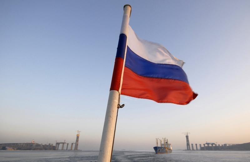 © Reuters.  Депутаты готовят законопроект о запрете руководителям санируемых банков выезжать из России