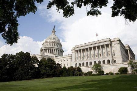 COVID – 19: Thượng viện Mỹ đồng ý với gói cứu trợ 2.000 tỷ USD để chống dịch bệnh