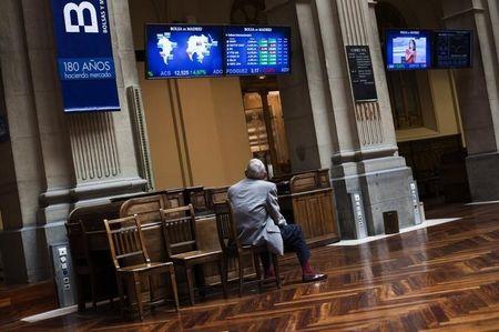 Las bolsas de valores de España cerraron con caídas; el IBEX 35 perdió un 0.36%