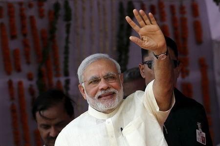 भारत महामारी प्रभावित अर्थव्यवस्था को बढ़ावा देने के लिए 20 लाख करोड़ देता है