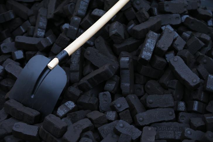 Reuters.  Китайские власти заняли более мягкую позицию относительно перехода с угля на газ