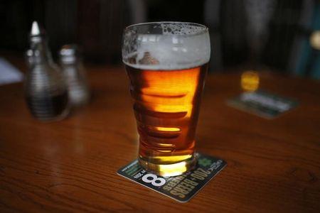 कोविड -19 लॉकडाउन के दौरान भारत के स्विगी, ज़ोमैटो ने शराब की डिलीवरी शुरू की